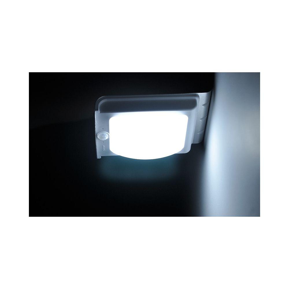 Lampe ext rieur led solaire avec capteur de mouvement for Lampe led exterieur