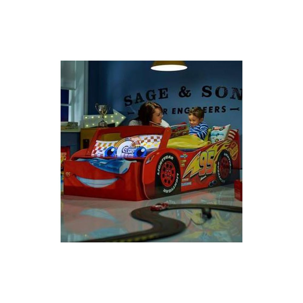 lit voiture cars lumineux lit enfant flash mcqueen disney pas cher. Black Bedroom Furniture Sets. Home Design Ideas