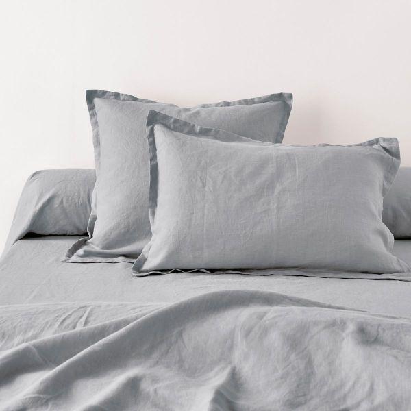achat taie d 39 oreiller 50x70 avec volant lin m tis gris clair pas cher. Black Bedroom Furniture Sets. Home Design Ideas