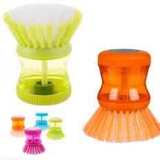 Brosse à vaisselle avec réservoir à savon