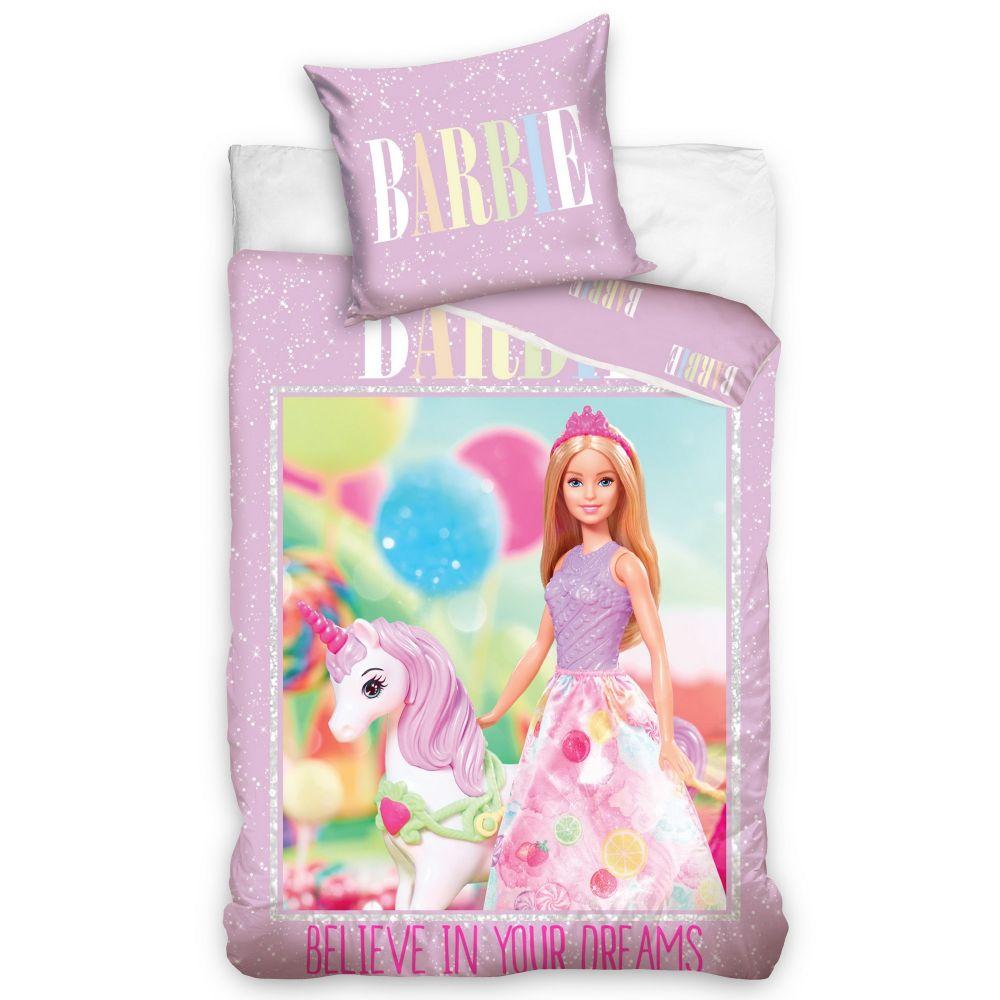Parure de lit enfant Barbie ? Housse de couette Licorne 100% coton 140x200 cm. Parure housse de couette Barbie Licorne 100% coton comprenant : 1 housse de couette 140x200 cm et 1 taie d'oreiller 65x65 cm.